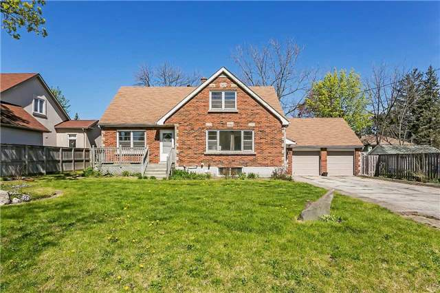 Detached at 211 Deane Ave, Oakville, Ontario. Image 1