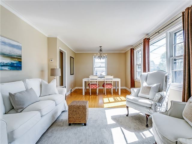 Detached at 211 Deane Ave, Oakville, Ontario. Image 12