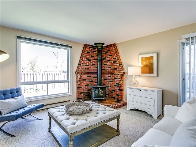 Detached at 211 Deane Ave, Oakville, Ontario. Image 18