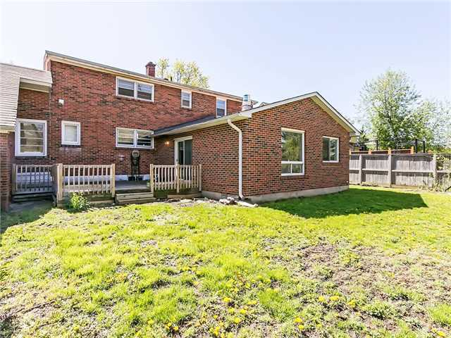 Detached at 211 Deane Ave, Oakville, Ontario. Image 10