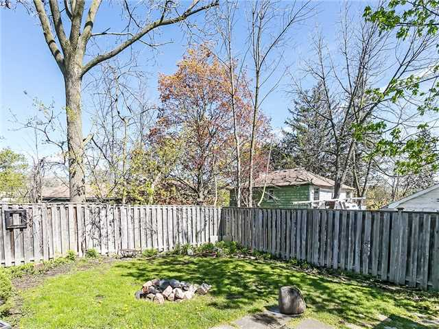 Detached at 211 Deane Ave, Oakville, Ontario. Image 11