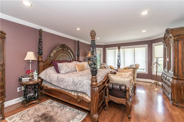 Detached at 1278 Birchview Dr, Mississauga, Ontario. Image 19