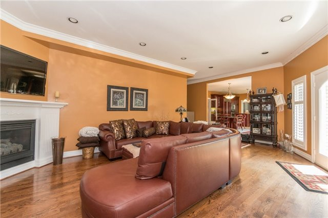 Detached at 1278 Birchview Dr, Mississauga, Ontario. Image 4