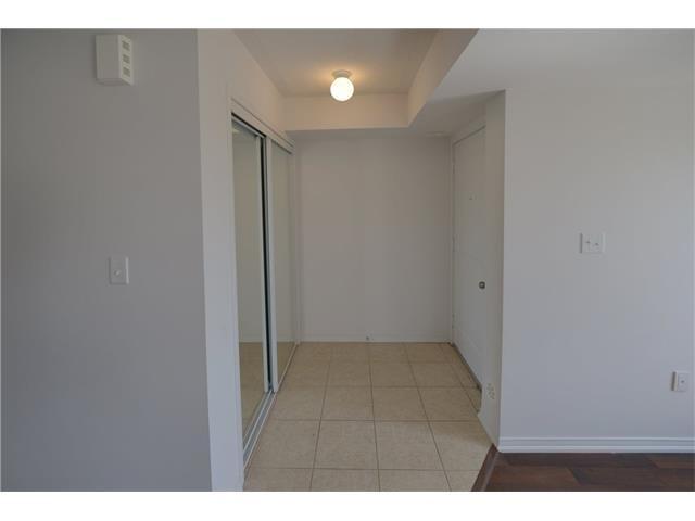 Condo Apartment at 2496 Post Rd, Unit 22, Oakville, Ontario. Image 12