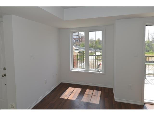 Condo Apartment at 2496 Post Rd, Unit 22, Oakville, Ontario. Image 13