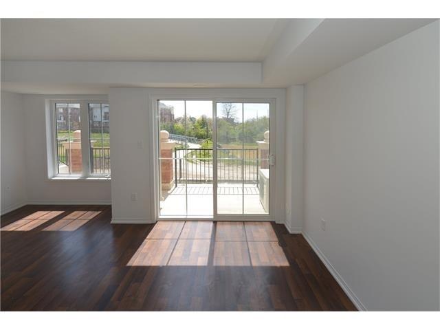 Condo Apartment at 2496 Post Rd, Unit 22, Oakville, Ontario. Image 14