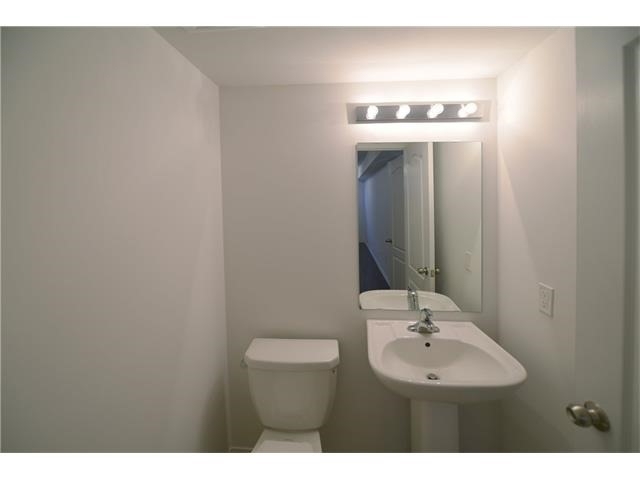Condo Apartment at 2496 Post Rd, Unit 22, Oakville, Ontario. Image 5
