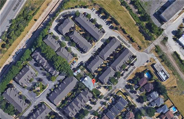 Detached at 1317 Stephenson Dr, Burlington, Ontario. Image 2