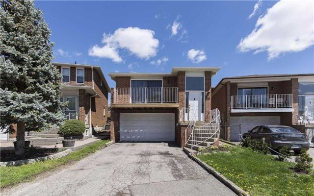 Detached at 36 Deerpark Cres, Brampton, Ontario. Image 1