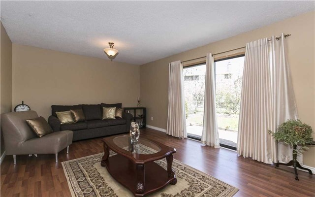 Detached at 36 Deerpark Cres, Brampton, Ontario. Image 8
