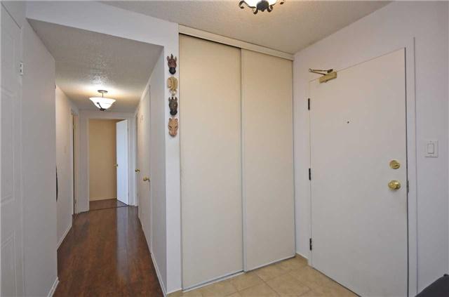 Condo Apartment at 350 Webb Dr, Unit 1206, Mississauga, Ontario. Image 16