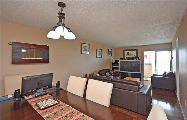 Condo Apartment at 350 Webb Dr, Unit 1206, Mississauga, Ontario. Image 2