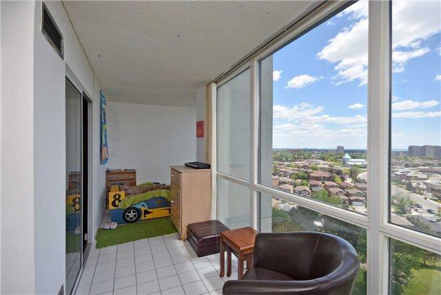 Condo Apartment at 350 Webb Dr, Unit 1206, Mississauga, Ontario. Image 6
