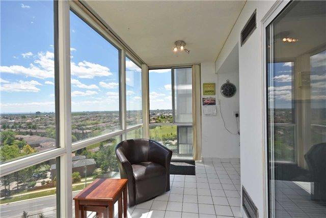 Condo Apartment at 350 Webb Dr, Unit 1206, Mississauga, Ontario. Image 8