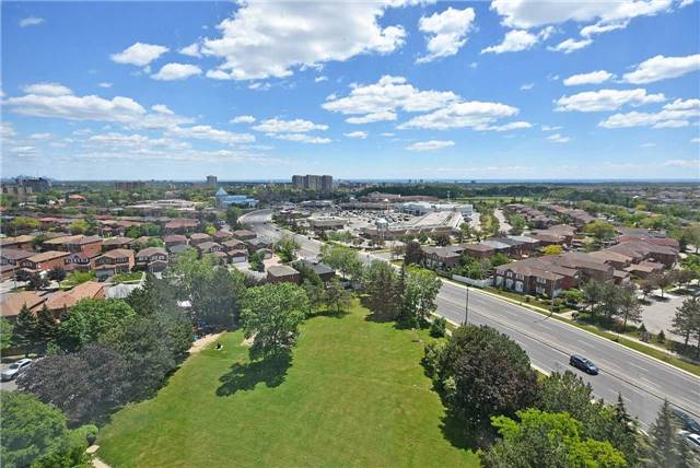 Condo Apartment at 350 Webb Dr, Unit 1206, Mississauga, Ontario. Image 10
