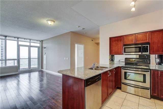 Condo Apartment at 388 Prince Of Wales Dr, Unit 2806, Mississauga, Ontario. Image 1