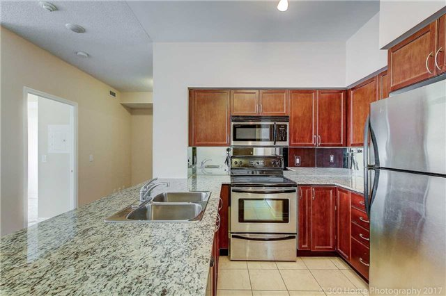 Condo Apartment at 388 Prince Of Wales Dr, Unit 2806, Mississauga, Ontario. Image 12