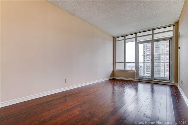 Condo Apartment at 388 Prince Of Wales Dr, Unit 2806, Mississauga, Ontario. Image 13