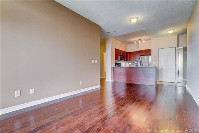 Condo Apartment at 388 Prince Of Wales Dr, Unit 2806, Mississauga, Ontario. Image 15