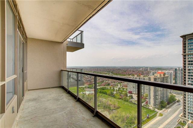 Condo Apartment at 388 Prince Of Wales Dr, Unit 2806, Mississauga, Ontario. Image 4