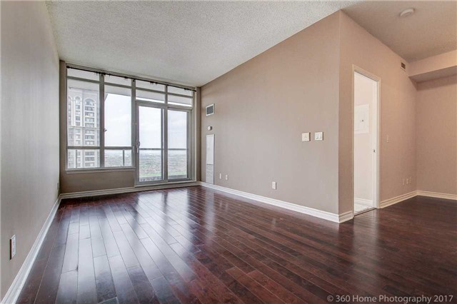 Condo Apartment at 388 Prince Of Wales Dr, Unit 2806, Mississauga, Ontario. Image 14
