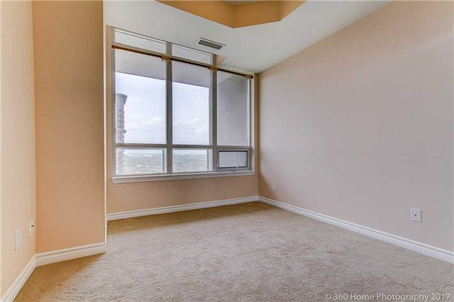 Condo Apartment at 388 Prince Of Wales Dr, Unit 2806, Mississauga, Ontario. Image 16