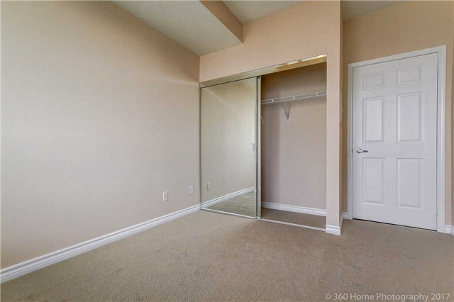 Condo Apartment at 388 Prince Of Wales Dr, Unit 2806, Mississauga, Ontario. Image 17