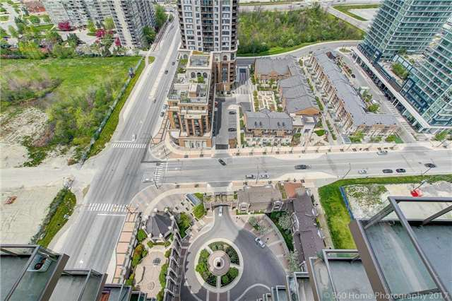 Condo Apartment at 388 Prince Of Wales Dr, Unit 2806, Mississauga, Ontario. Image 7