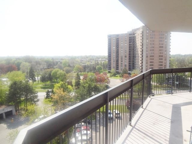 Condo Apartment at 236 Albion Rd, Unit 805, Toronto, Ontario. Image 11