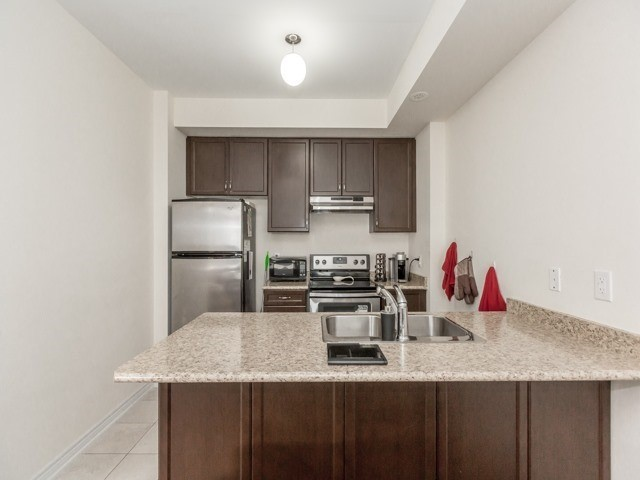 Townhouse at 2435 Greenwich Dr, Unit 49, Oakville, Ontario. Image 2