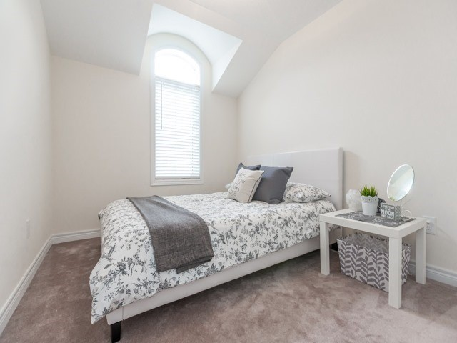 Townhouse at 2435 Greenwich Dr, Unit 49, Oakville, Ontario. Image 6