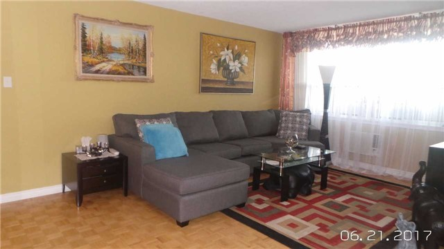 Condo Apartment at 511 The West Mall Ave, Unit 1911, Toronto, Ontario. Image 4