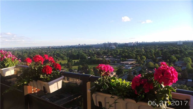 Condo Apartment at 511 The West Mall Ave, Unit 1911, Toronto, Ontario. Image 3
