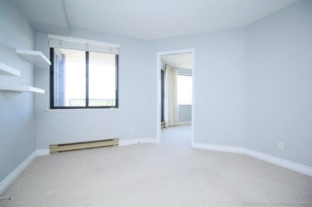 Condo With Common Elements at 100 Lakeshore Rd E, Unit 1004, Oakville, Ontario. Image 20