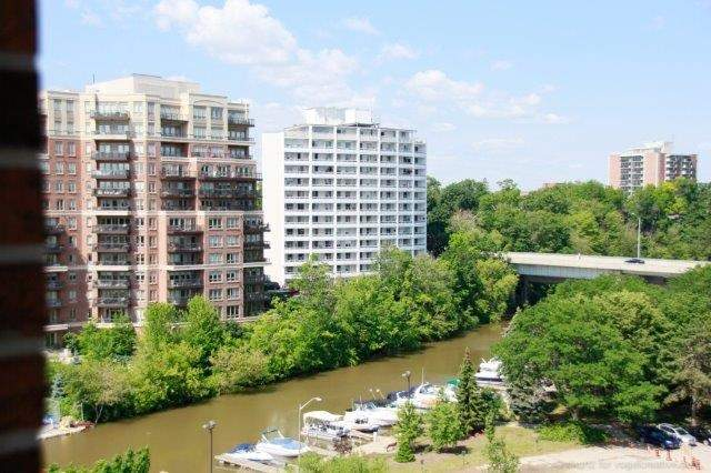 Condo With Common Elements at 100 Lakeshore Rd E, Unit 1004, Oakville, Ontario. Image 7