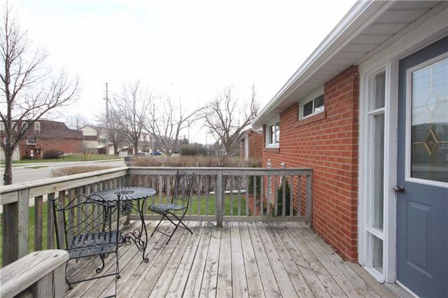 Detached at 47 Heslop Rd, Milton, Ontario. Image 12