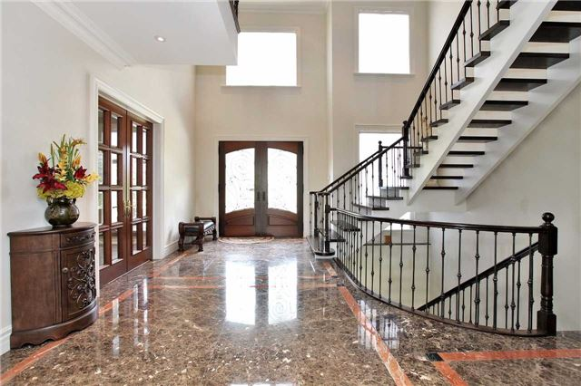 Detached at 1016 Mississauga Heights Dr, Mississauga, Ontario. Image 14