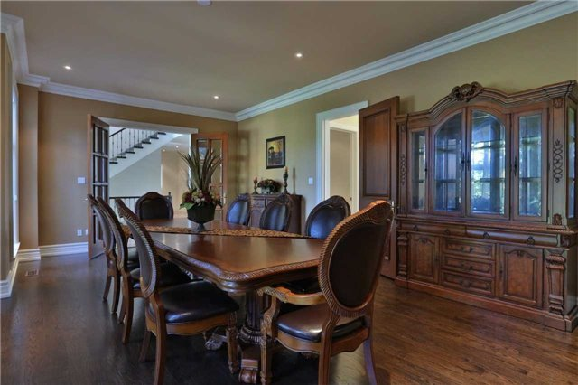 Detached at 1016 Mississauga Heights Dr, Mississauga, Ontario. Image 18