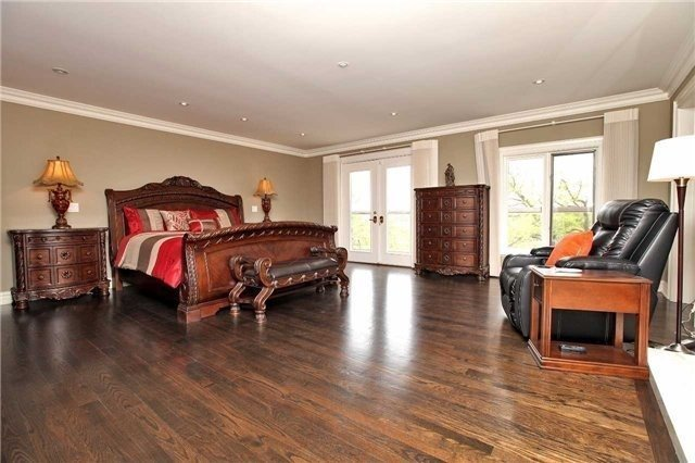 Detached at 1016 Mississauga Heights Dr, Mississauga, Ontario. Image 2