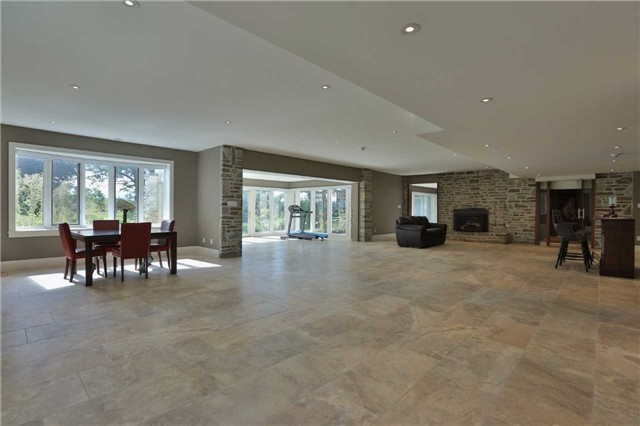 Detached at 1016 Mississauga Heights Dr, Mississauga, Ontario. Image 4