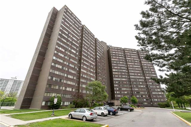 Condo Apartment at 11 Wincott Dr, Unit 810, Toronto, Ontario. Image 1
