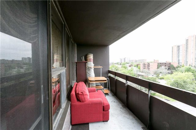 Condo Apartment at 11 Wincott Dr, Unit 810, Toronto, Ontario. Image 9