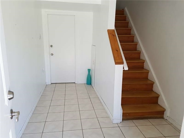 Condo Townhouse at 278 Fleetwood Cres, Brampton, Ontario. Image 12