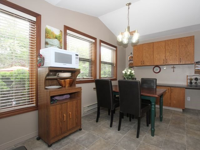 Detached at 2044 Insley Rd, Mississauga, Ontario. Image 13