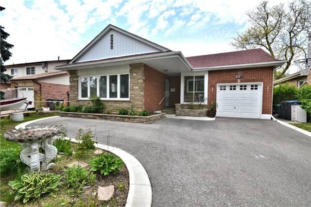 Detached at 96 Harold St, Brampton, Ontario. Image 1