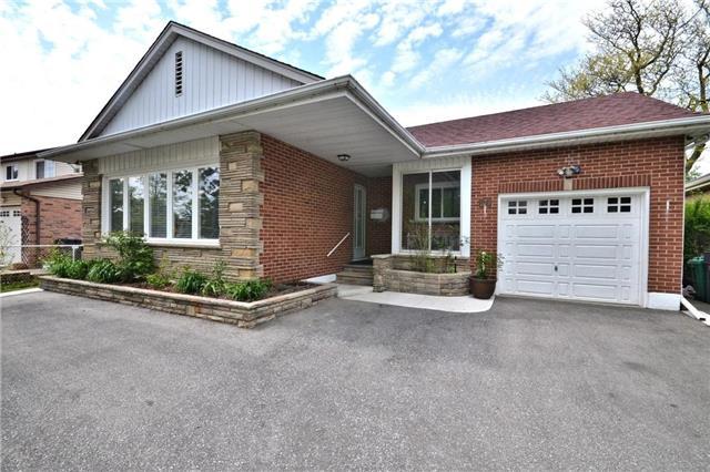 Detached at 96 Harold St, Brampton, Ontario. Image 12