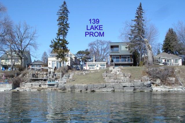 Detached at 139 Lake Promenade, Toronto, Ontario. Image 12
