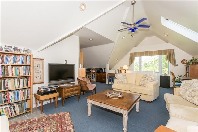 Detached at 16815 St. Andrew's Rd, Caledon, Ontario. Image 7