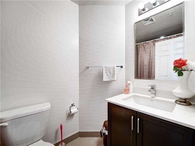 Condo Apartment at 2480 Prince Michael Dr, Unit 621, Oakville, Ontario. Image 10