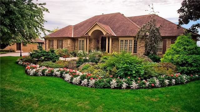 Detached at 210 Oaklands Park Crt, Burlington, Ontario. Image 1